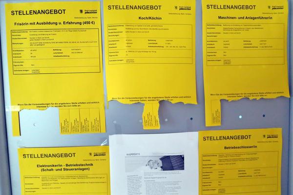 Soz.Rathaus Infoständer-Aushang Arbeits-Angebote 2