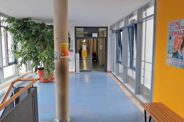 Soz.Rathaus Treppenhaus 1.OG Jobcenter Servicebüro