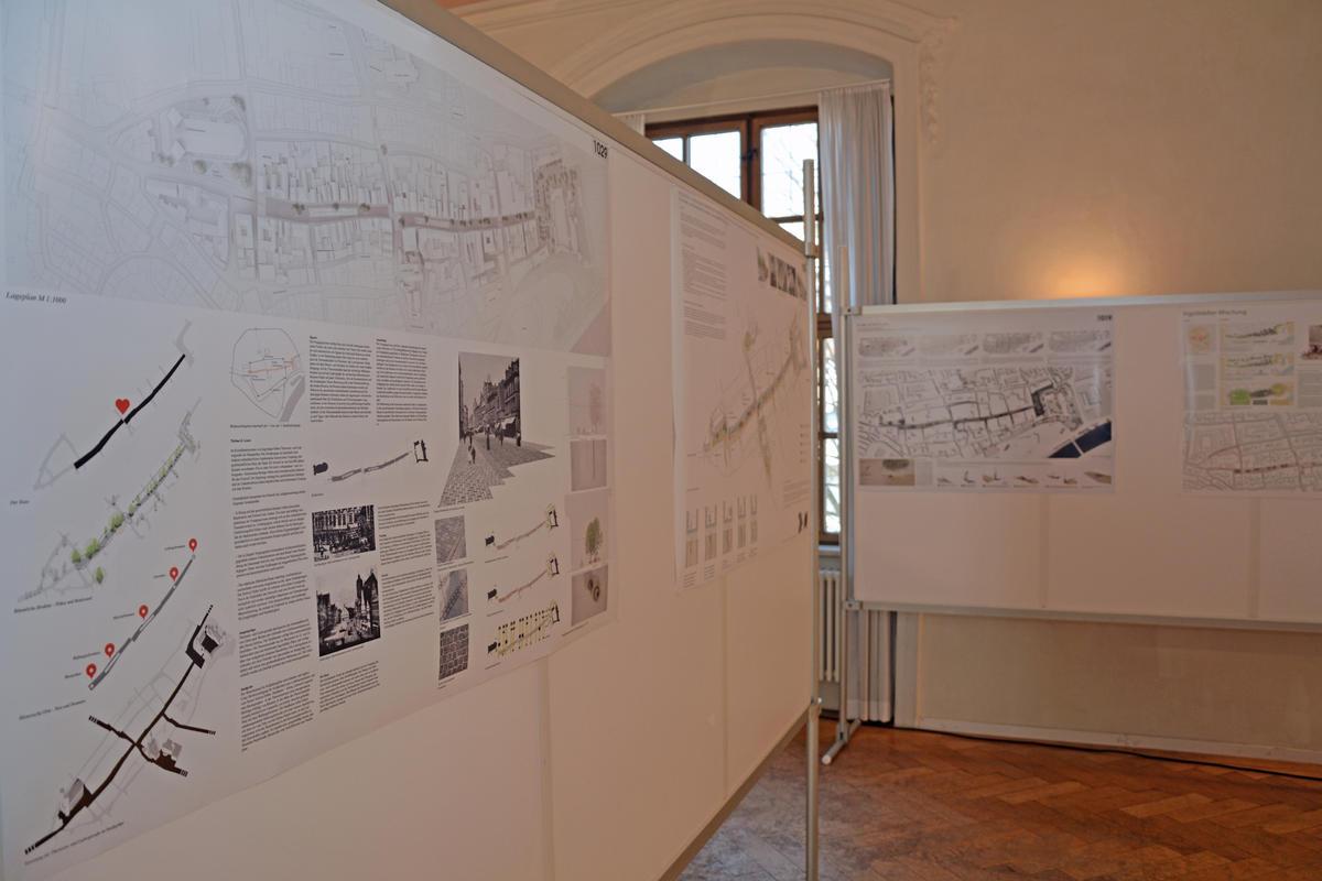 Foto:Preisgericht Projekt Fußgängerzone - Ausstellung der ausgewählten Arbeiten