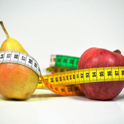 Statistik - Apfel und Birne mit Maßband